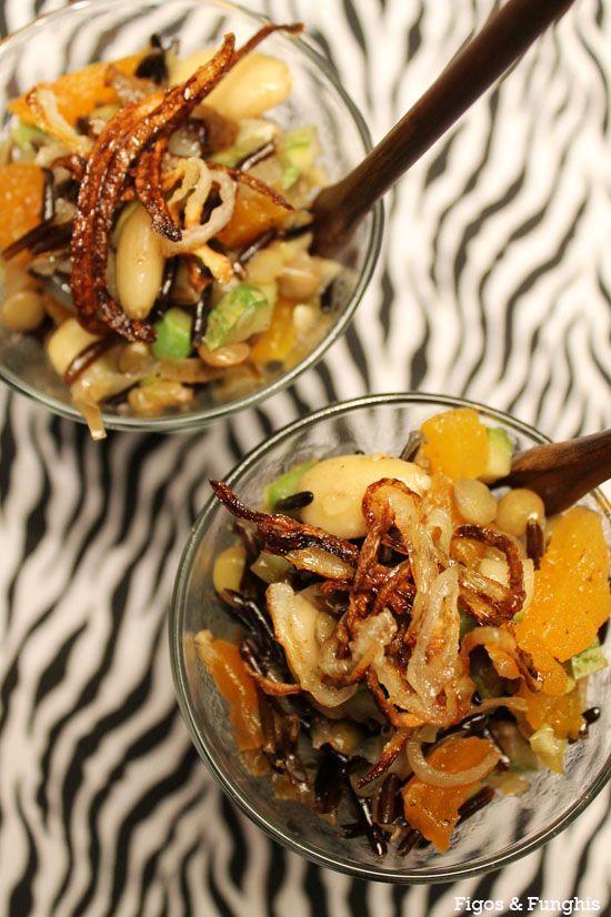 A salada de arroz selvagem fica perfeita como entrada para a ceia.