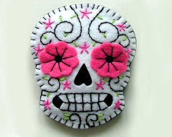 Sugar Skull bijoux broche par TheDollCityRocker sur Etsy