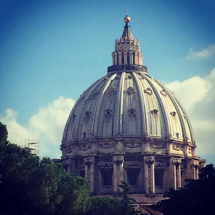 Cúpula de San Pedro en el Vaticano - Miguel Ángel:  Juan Carlos Gómez (jcgomvar) en Instagram.
