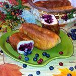 Пирожки жареные с черникой и брусникой