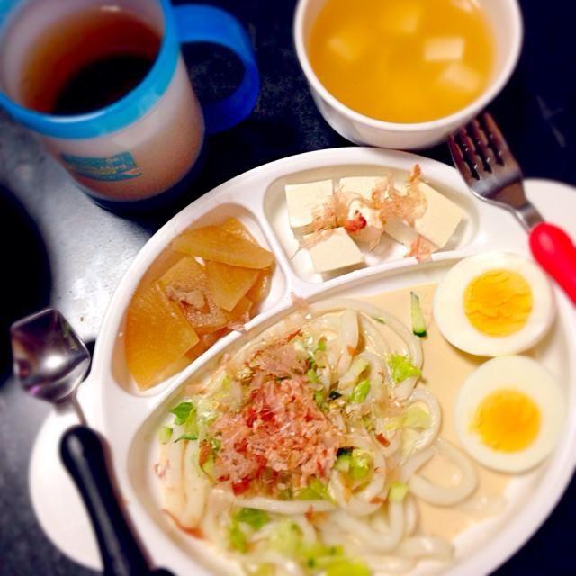 子どものためのプレートごはん - 7件のもぐもぐ - サラダうどん☆ゆでたまご☆大根と豚コマの煮物☆冷や奴☆豆腐と油揚げの味噌汁 by mamekoon