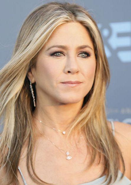 Triste nouvelle pour Jennifer Aniston. Sa mère, Nancy Dow, vient de décéder à l'âge de 79 ans.