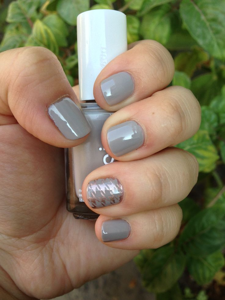 Essie Take it Outside+ Essie Penny Talk
