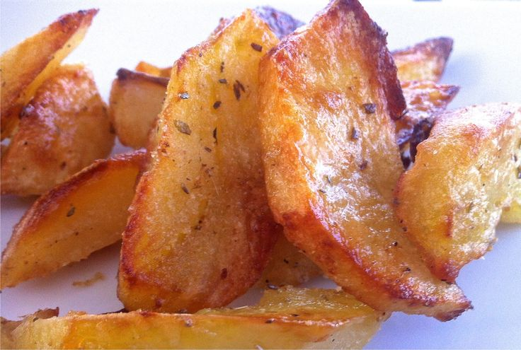 Crispiest Greek Lemon Potatoes recipe, the perfect side for the perfect Christmas dinner!