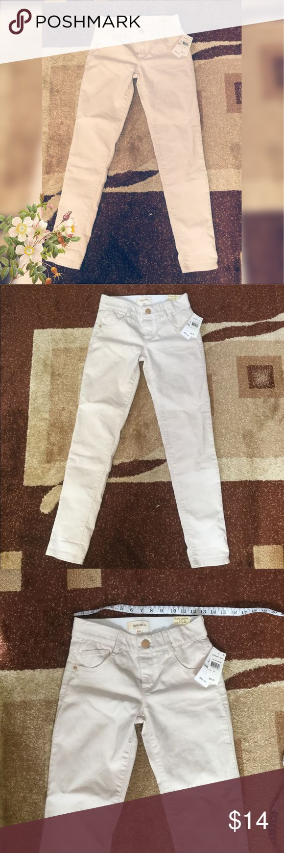 Rewind White Pants -New with tag and in great condition - size 0 -stretchable from the waist Rewind Jeans