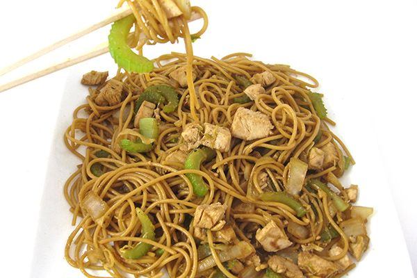 how to make simple chicken chow mein