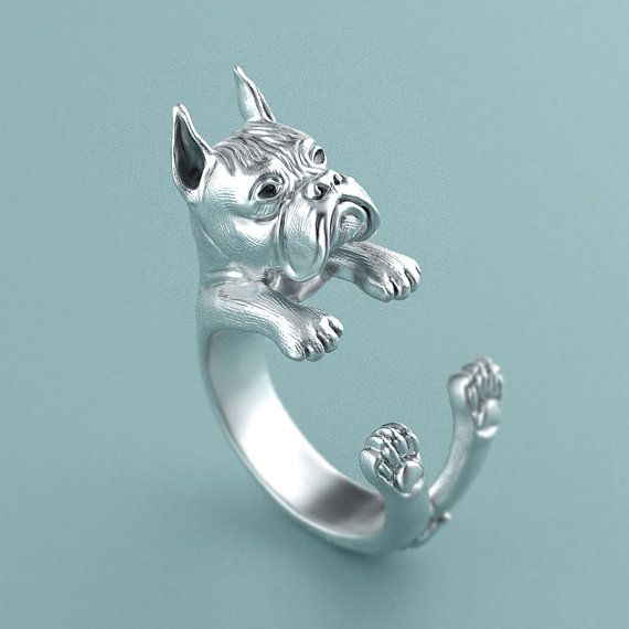 This unique Boxer Ring was created and designed by Steph Alexis. Made of 925 sterling silver