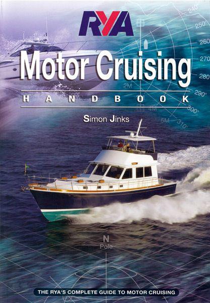 A kézikönyv teljesen átfogja a tengeri kisgéphajó vezetők számára nélkülözhetetlen ismereteket. Az elméleti tudnivalókat tömören, lényegre törően foglalja össze, érthető színes magyarázó ábrákkal illusztrálva a mondanivalót. Az illusztrációk sokszor teljesen feleslegessé teszik a szövegeket, olyan s