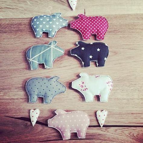 """""""Was für ein Schweinestall"""" - süße Stoffschweine als Wimpelkette für Kinderzimmer/Wohnzimmer/Babyzimmer oder einfach nur zum Verschenken... jedes Schwein für 3€ ➡️http://de.dawanda.com/product/77265939-Namenskette-Stoffgirlande-Stern-Herz-Schwein  #schwei"""