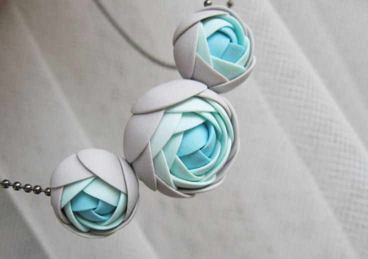 Sen o moři, náhrdelník