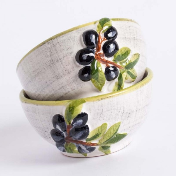 3 CERAMIC BOWLS WITH OLIVES HAND PAINTED - 100% MADE IN ITALY  Set is composed by 3 ceramic bowls gently antiqued, ideal for creating tasty and fresh finger food with bread and tuscany oil.  We invite you to visit our blog to recreate our finger food's receipts, with images and all the necessary information to reproduce great food compositions.