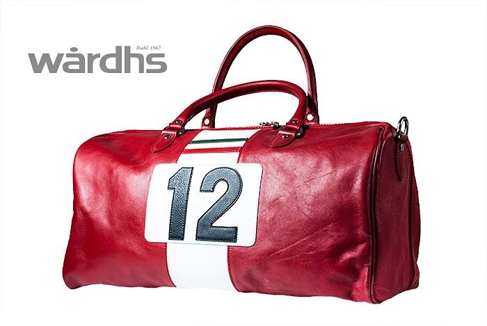 Läderväska från Wårdhs. Wårdhs väljer kläder till midsommar 2013. @Täby Centrum