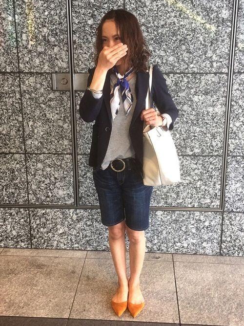 大阪上陸時の嫁さんコーデです。 ジャケットにデニムハーフパンツを履いただけ〜♪ と、コーデの説明はそ