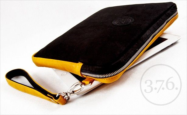 Natural yellow leather combined with black matte natural leather