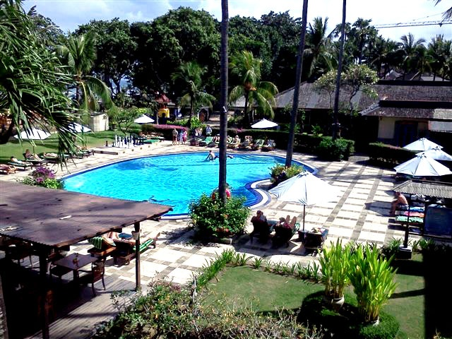 the pool facility that is available for Club Bali Legian visitors