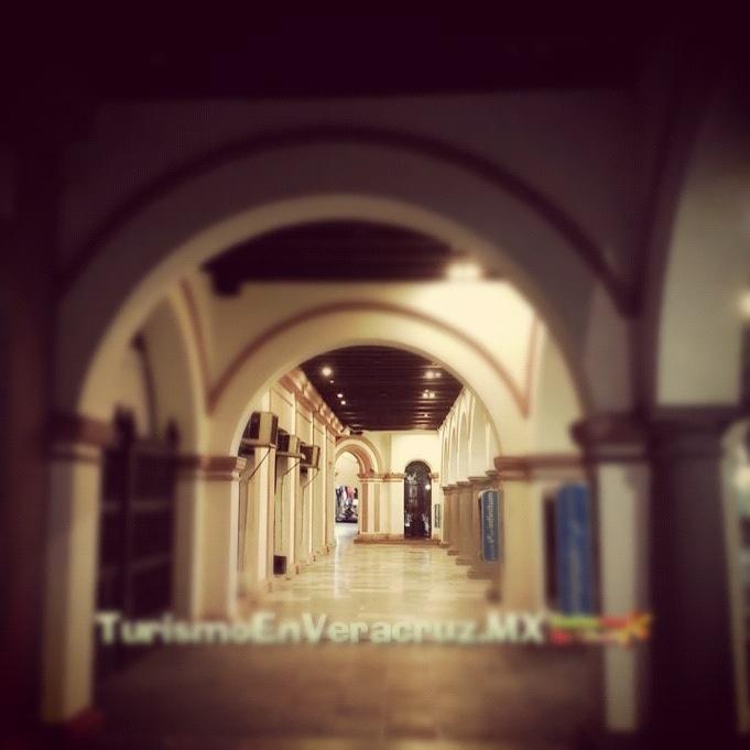 Buenos días a todos feliz #viernes te invito a que conozcas la #agenda #cultural del #ayuntamiento de #Veracruz la cual se lleva acabo en el #zócalo http://www.turismoenveracruz.mx/2012/11/agenda-cultural-de-veracruz-del-27-de-noviembre-al-2-de-diciembre-2012/ #danzón #eventos #turismo