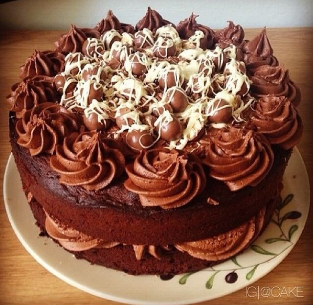 68 Best Images About Maltesers Cakes On Pinterest