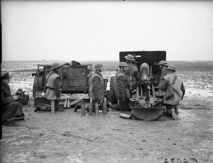 A 25-pdr of 361 Battery, 91st Field Regiment, Royal Artillery, at Oppy near Vimy, 7 January 1940.
