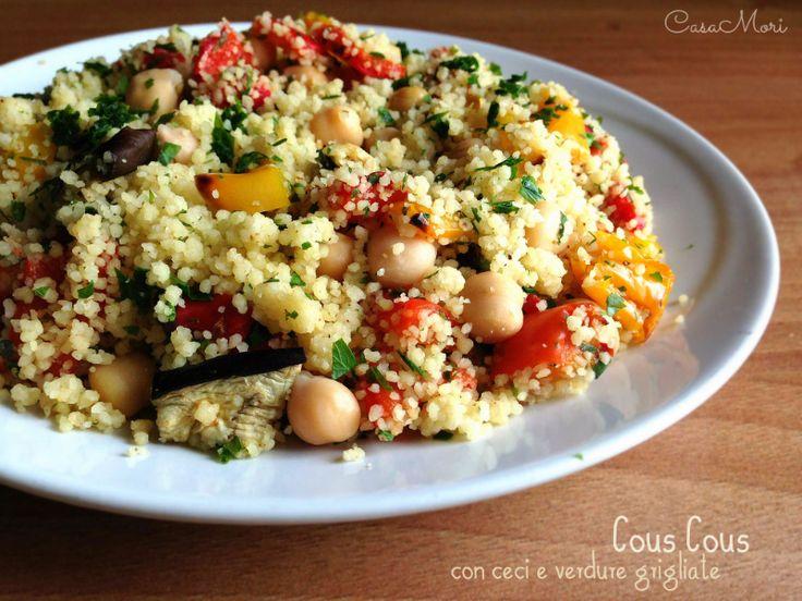 l cous cous con ceci e verdure grigliate è un piatto completo e gustoso ricco di verdure perfetto per i pranzi estivi come piatto unico e per i buffet.