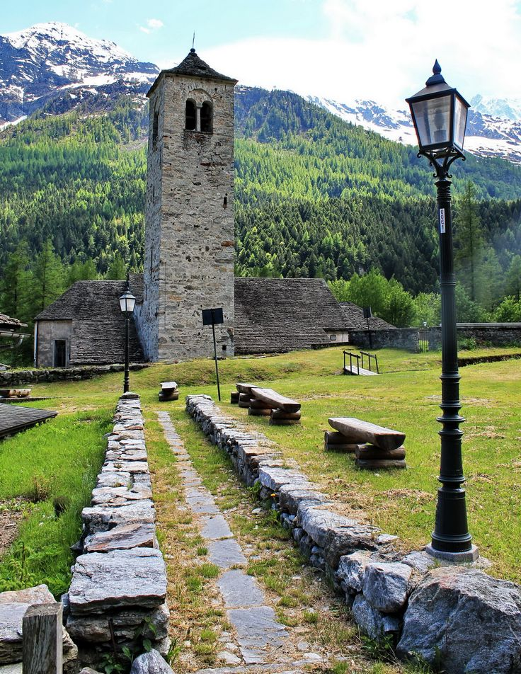 MACUGNAGA (Piemonte)