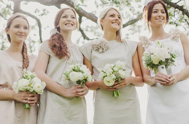 Braut & Brautjungfernkleider    Um ein harmonisches Gesamtbild mit der Braut zu erzeugen bieten wir Cocktailkleider in abgestimmten Farbwelten und Nuancen an. Individuelle Modelle sorgen für einen neu interpretierten Brautjungfernlook.