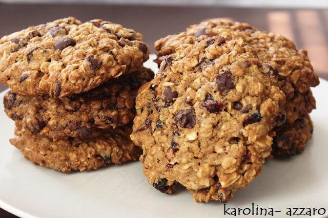 karolina-azzaro: XL Cookies s ovesnými vločkami čokoládou a brusnic...