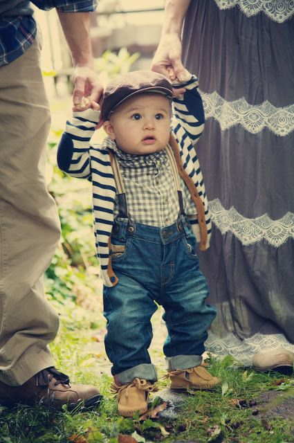 oh my goodfness that is one cute little boy