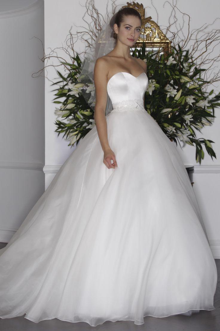 Legends Romona Keveza  www.thewedding-club.co.uk