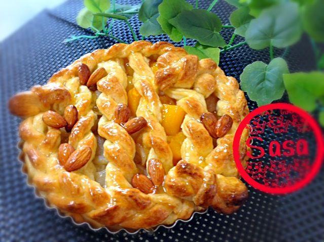 リピリピリピリピ〜♪  今日は りんご&黄桃と梨のコンポートで ハーフ&ハーフのピザ!ではなく パイです(笑)  生地は、 いつものケンタ風ビスケット生地で✌️ - 253件のもぐもぐ - ひかりママ♡さんの料理 バター無しでも美味しい~♡節約&ヘルシー♪オリーブ油とヨーグルトのサクふわビスケット(ง˙ω˙)วで、全部手作り1時間で焼きあがるアップルパイ( ´ ▽ ` )ノ by Sasa
