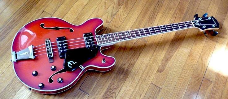 epiphone ea 260 bass from 1973 bass bug rock loud epiphone guitar bass. Black Bedroom Furniture Sets. Home Design Ideas