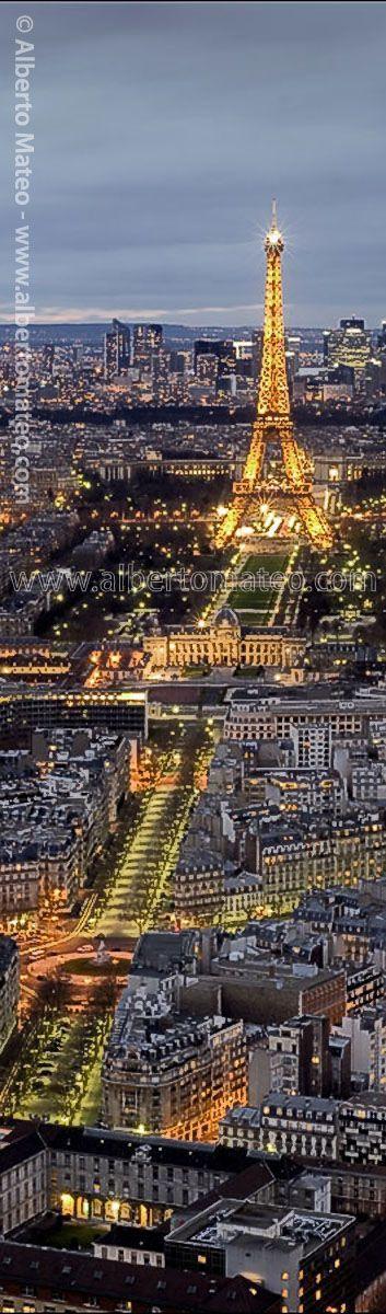 Eiffel Tower, Paris, France - © Alberto Mateo, Travel Photographer