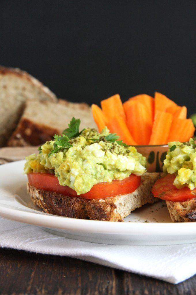 Recipe: Mashed Avocado Egg Salad 4 large hard boiled eggs, cooled and peeled 1/2 avocado (about 100 grams) 1 teaspoon Dijon mustard 1/2 of a small lime or lemon, juiced Salt and pepper to taste Optional Toppings & Garnishes  Sliced tomatoes Lettuce leaves Sprinkle of fresh parsley Za'atar spices Extra sea salt