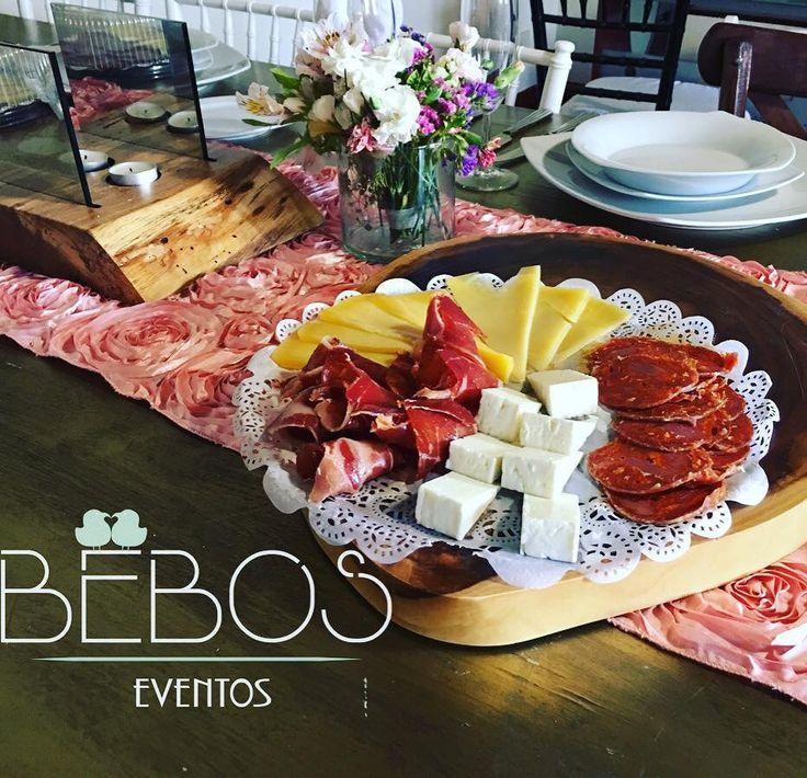 Barras de Quesos para Bodas #tablasquesos #saboresdeliciosos #mesasdequesos #quesosycarnesfrias #bodas2017 #EventosBebos