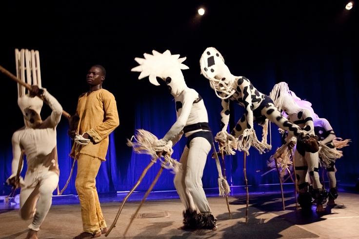 MASKI KSIĘŻYCA  | Burkina Faso| Afirmacja nocy. Żywiołowy rytuał plemienia Bwa z Burkina Faso.  Finał Brave Festival 2011.    fot. Joanna Stoga