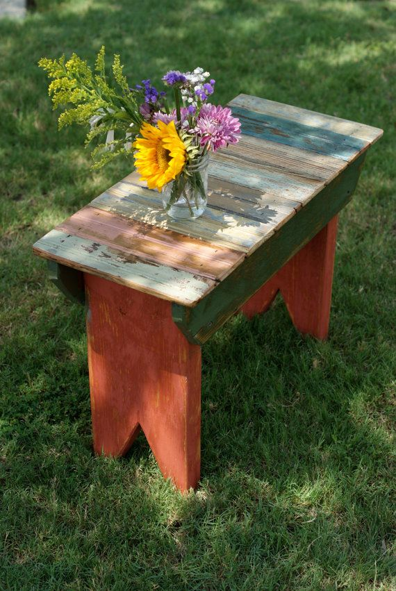 Garden Table (or Bench) Made With Old Pallets More