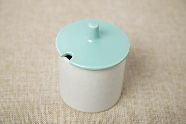 Poole Twintone Ice Blue and Seagull Preserve Pot. Circa 1960's. #poolepottery #twintone #seagull#iceblue #poole #preservepot #vintage #retro#midcentury #1960s #ceramics #vintageceramics#tureen #uk #britishvintage