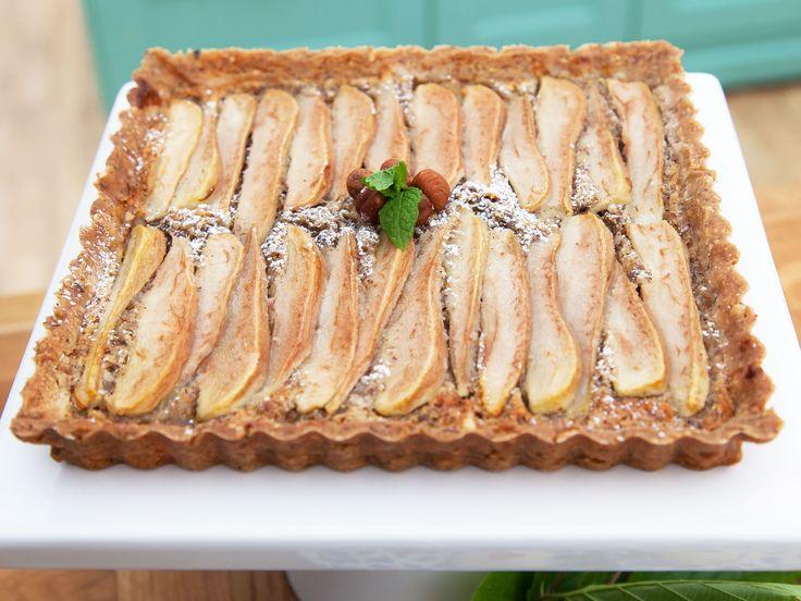 Krispig hasselnötspaj med päron | Recept.nu