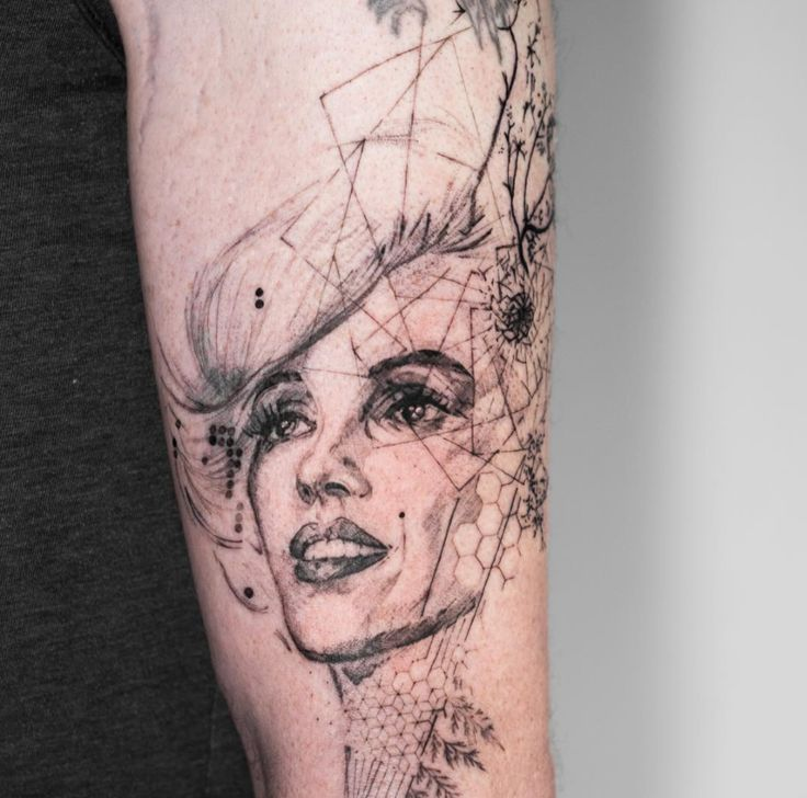 tatuajes abstractos. marilyn