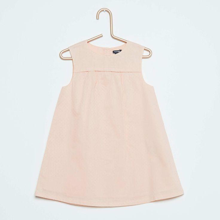 KIABI.COM - Vente en ligne de vêtements, chaussures et accessoires de mode à petits prix pour la femme, l'homme, l'enfant et le bébé. Collections lingerie, maternité et grandes tailles.