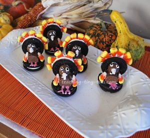 Oreo Turkeys http://www.teaching-tiny-tots.com/toddler-recipes-oreo-turkeys.html #oreo, #turkey