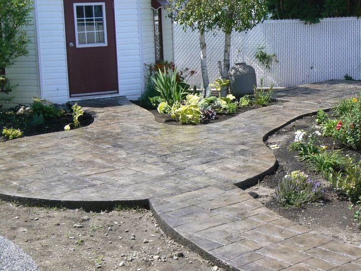 Voilà un beau #patio en béton estampé.