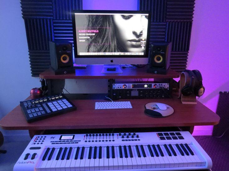 Zaor MIZA 61 at UK singer and producer Aubrey Whitfield's project studio in London. #zaor #desk #studiodesk #studiofurniture #studiomöbel #miza61 #singer #songwriter #producer #homestudio #musicstudio #london #composer #aubreywhitfield