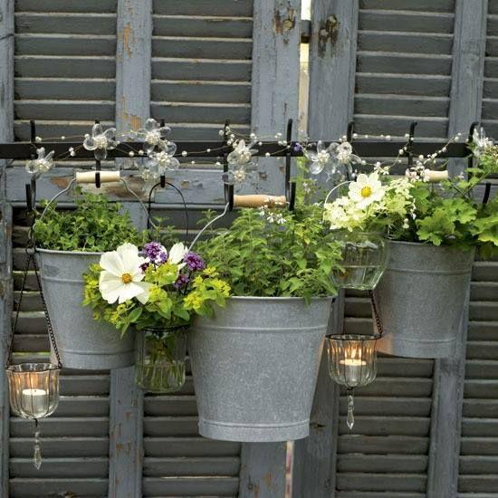 Tijd voor weer wat vrolijkheid op het balkon of in de tuin.