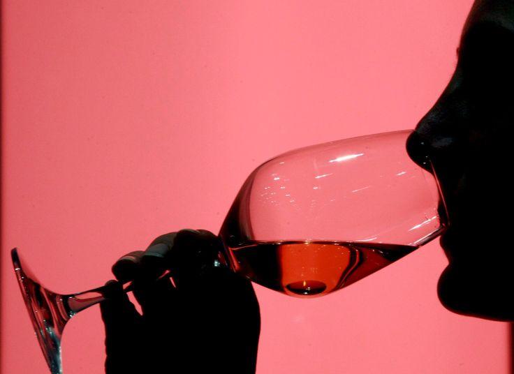 Älykäs ihminen juo enemmän alkoholia kuin tyhmä – syy löytyi