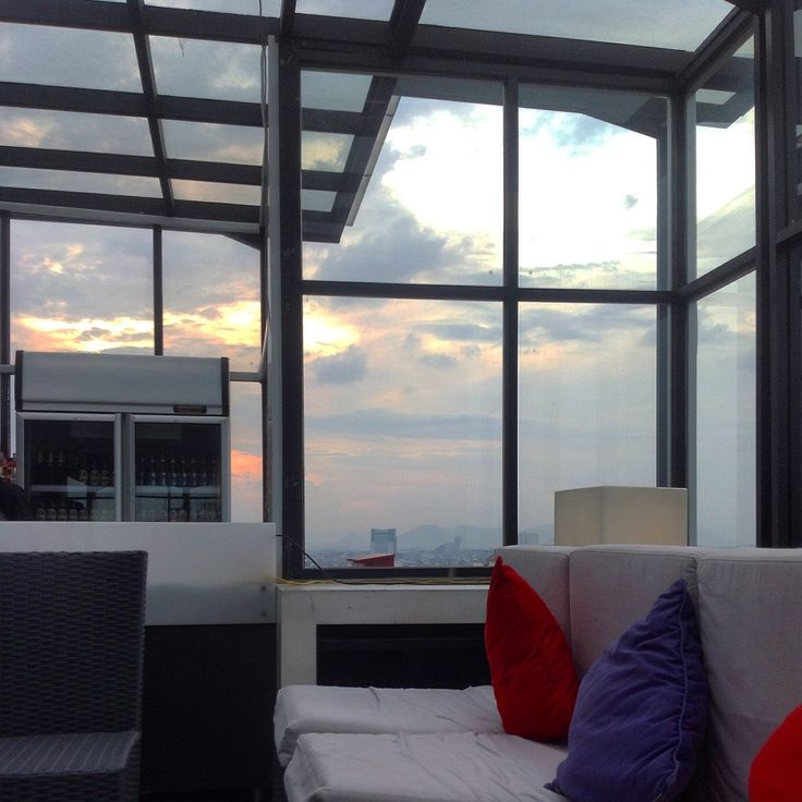 Sublime Sky Lounge, 17th Floor Gino Feruci Braga Hotel Jl. Braga No.67  Bandung