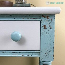 http://uniquejunktique.com/spool-turned-nightstand-in-an-ofmp-custom-blend-mix/