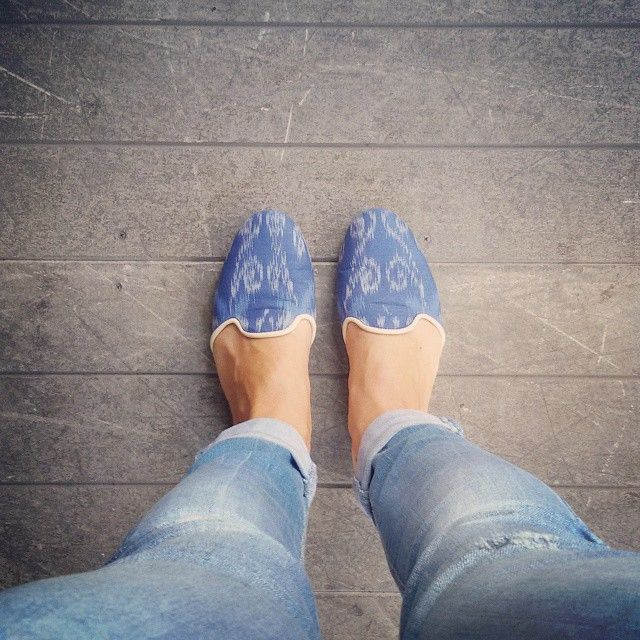 Lovely Ikat flat shoes Ikat+leather only by order in www.coolturatrends.com #coolturaTrends #ethicalFashion #ikat #flatshoes #lovely #coolturaShoes #baliStyle #oberoistreet #bali #streetstyle #fashion #trends #ss2015 #madeWithLove HAVE A NICE WEEWEND!!
