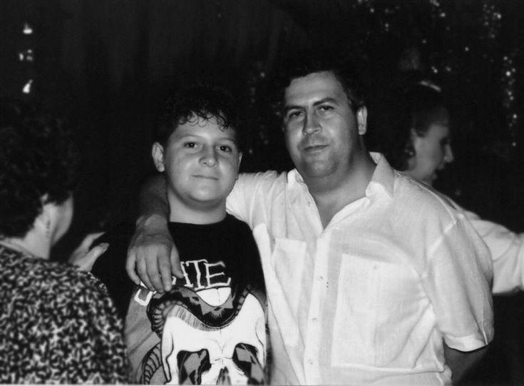 No es primera vez que Juan Pablo Escobar, que ahora se llama Sebastián Marroquín, dispara contra la serie de Netflix. Pero le creemos. Si bien Escobar a.k.a. Marroquín ha dicho varias veces que pretende desmarcarse de la figura de su padre es algo bien imposible la verdad. Partiendo de la base de que vive de …