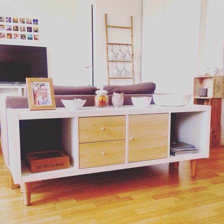 avec une tag re ikea kallax des cubes de rangement placard et tiroirs et des pieds de chez. Black Bedroom Furniture Sets. Home Design Ideas