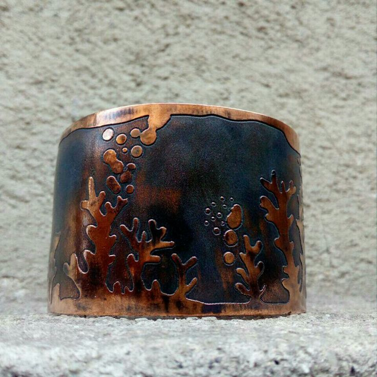 Brazalete de cobre grabado,   Pichilemu. Mar profundo.